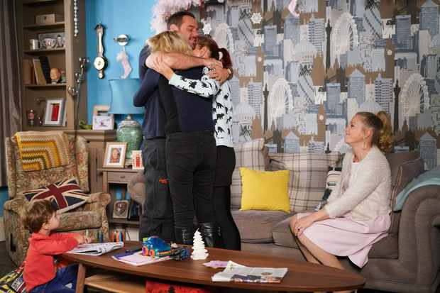 Will Mick split up with Linda Carter because of Stuart