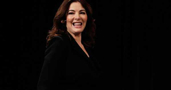 """Nigella Lawson says she has to tell US TV companies not to """"airbrush my sticking out stomach"""""""