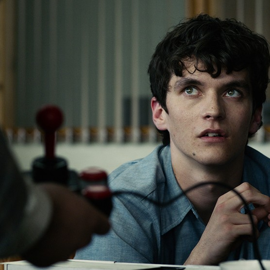 Fionn Whitehead as Stefan (Netflix)