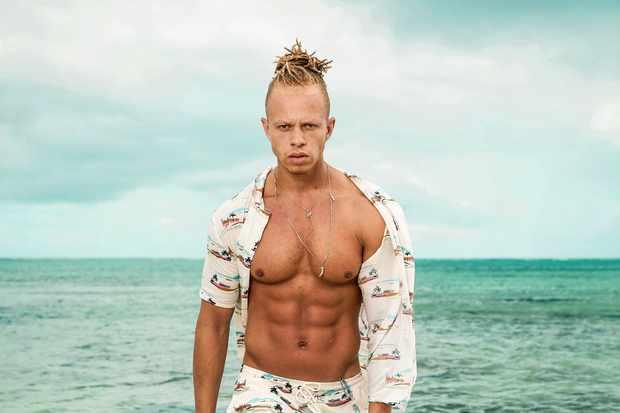 Chris Shipwrecked (C4)