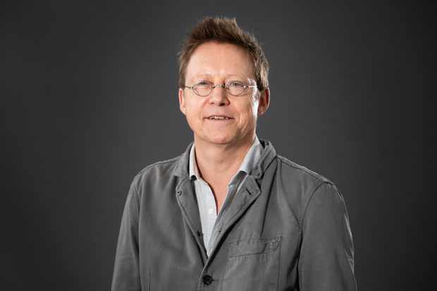 EDINBURGH, SCOTLAND - AUGUST 18:  English radio presenter and author Simon Mayo attends a photocall during the annual Edinburgh International Book Festival at Charlotte Square Gardens on August 18, 2018 in Edinburgh, Scotland.  (Photo by Roberto Ricciuti/Getty Images)