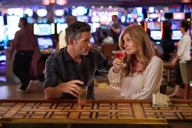 Eric Bana as John Meehan and Connie Britton as Debra Newell in Dirty John