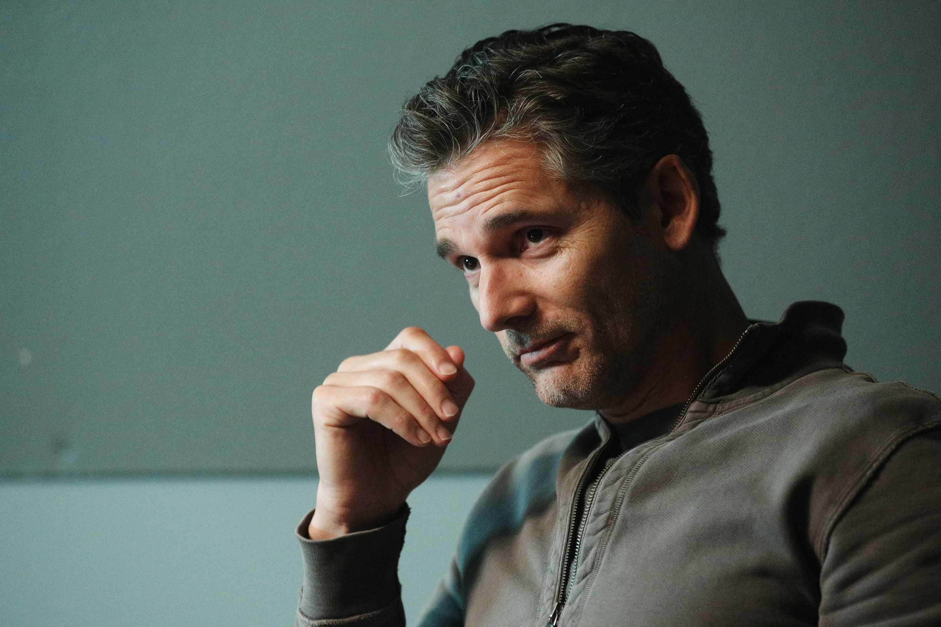 "DIRTY JOHN -- ""Chivalry"" Episode 107 -- Pictured: Eric Bana as John Meehan -- (Photo by: Jordin Althaus/Bravo/NBCU Photo Bank via Getty Images)"