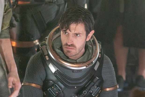 When Is Nightflyers Released On Netflix And Syfy Who Is In The Cast