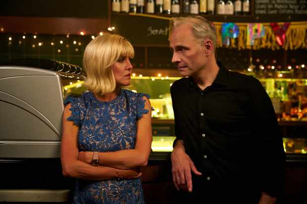 Ashley Jensen as Fran and Mark Bonnar as Chris in Catastrophe (C4)