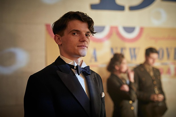 Edward Bluemel plays Barrie Clifton in Traitors
