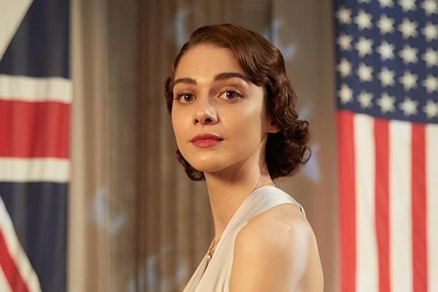 Emma Appleton plays Feef Symonds in Traitors
