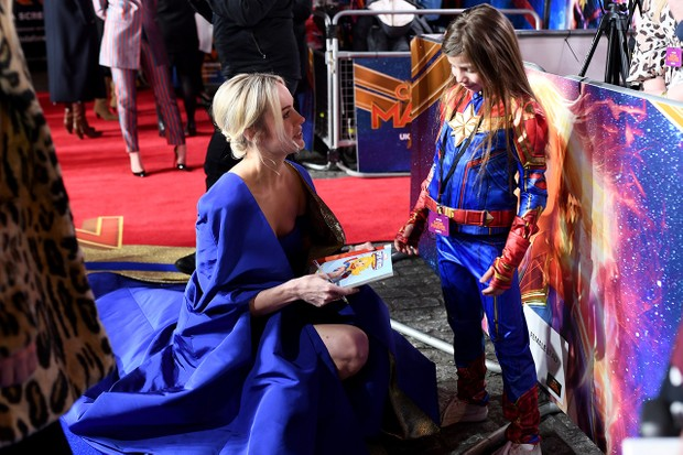 Brie Larson meets a young Captain Marvel fan during the UK premiere (Getty Images for Disney)