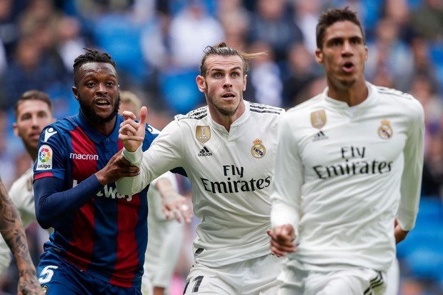 Cheick Doukoure of Levante UD, Gareth Bale of Real Madrid, Raphael Varane of Real Madrid (Getty)