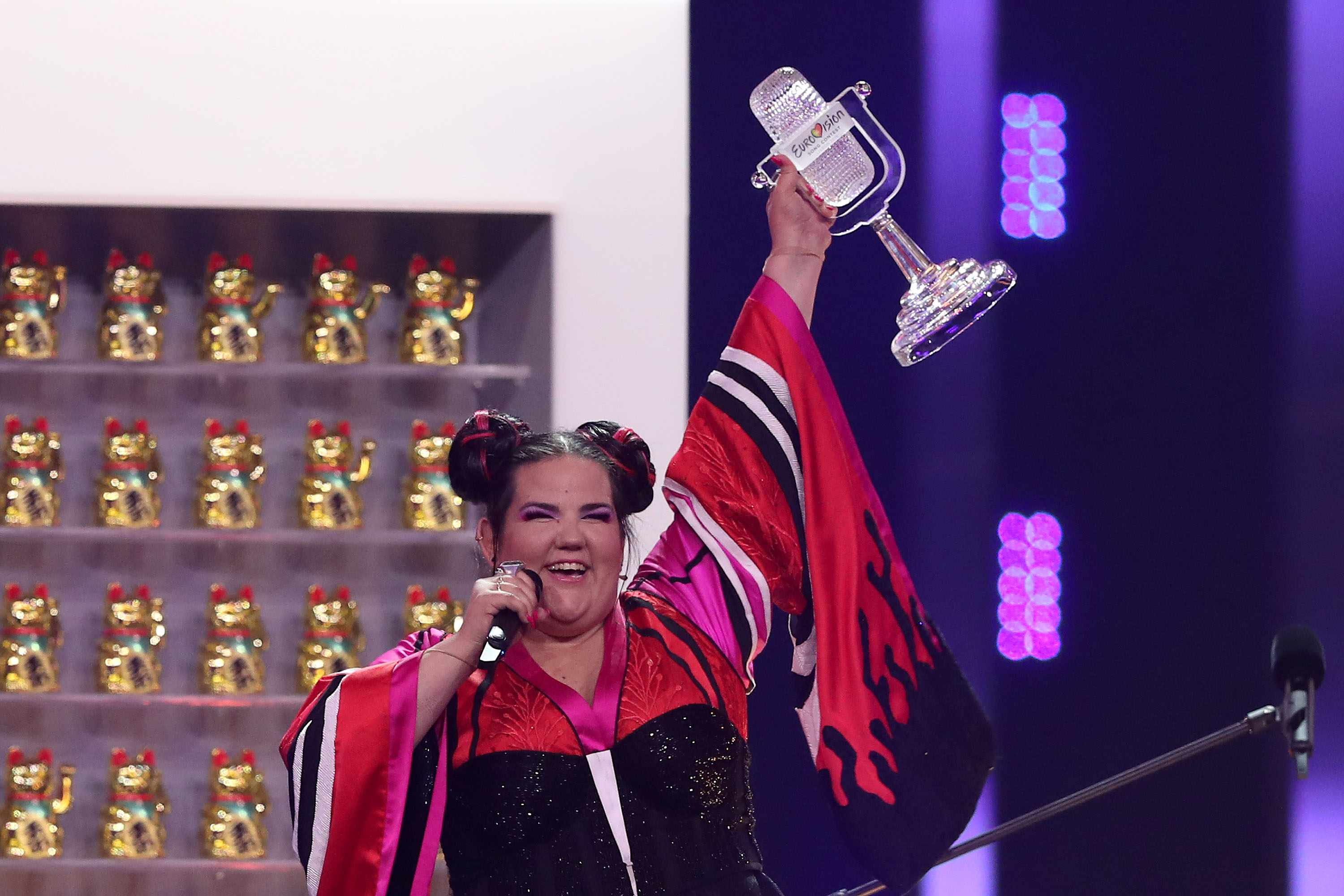 Netta of Israel raises the Trophy after winning the 2018 Eurovision Song Contest Grand Final, at the Altice Arena in Lisbon, Portugal on May 12, 2018. ( Photo by Pedro Fiúza/NurPhoto via Getty Images)