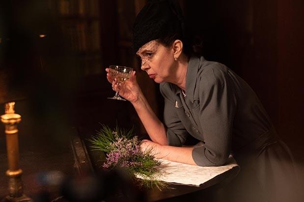Phoebe Nicholls plays Frippy Symonds in Traitors