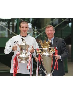 1995/1996 Premier League winners - Manchester United  (Shaun Botterill/ALLSPORT)