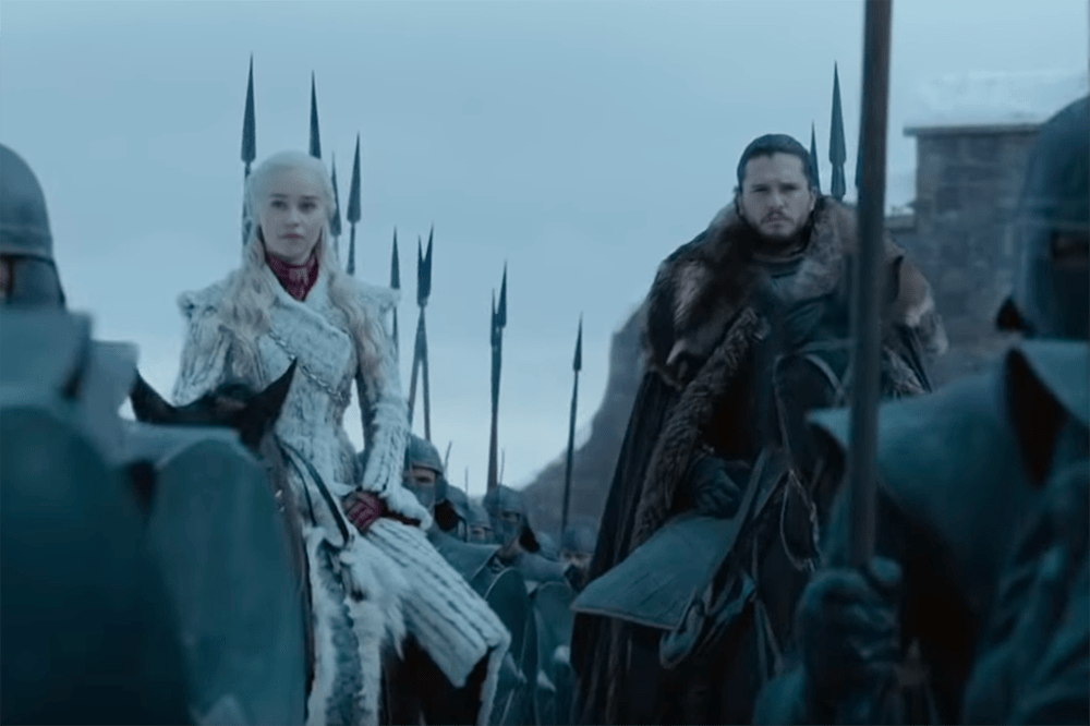 Emilia Clarke and Kit Harington in Game of Thrones (HBO)