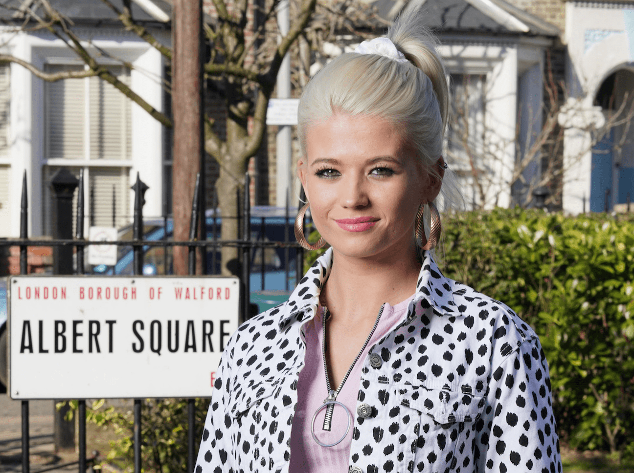 EastEnders, Lola Pearce