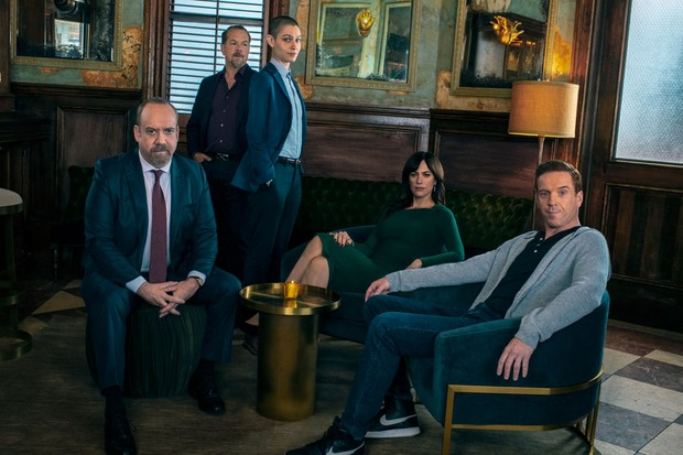 Paul Giamatti and Damian Lewis star in Billions
