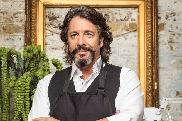 Laurence Llewelyn-Bowen in Celebrity Painting Challenge (BBC)