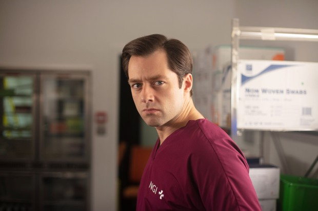 Richard Rankin plays Dr Alex Kiernan
