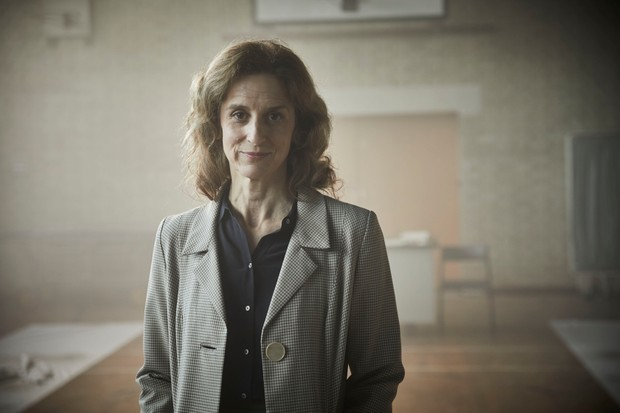 MAMMOTH SCREEN FOR ITV ENDEAVOUR EPISODE 4 2019 Pictured: ABIGAIL THAW as Dorothea Frazil. This photograph must not be syndicated to any other company, publication or website, or permanently archived, without the express written permission of ITV Picture Desk. Full Terms and conditions are available on www.itv.com/presscentre/itvpictures/terms For further information please contact: Patrick.smith@itv.com 0207 1573044