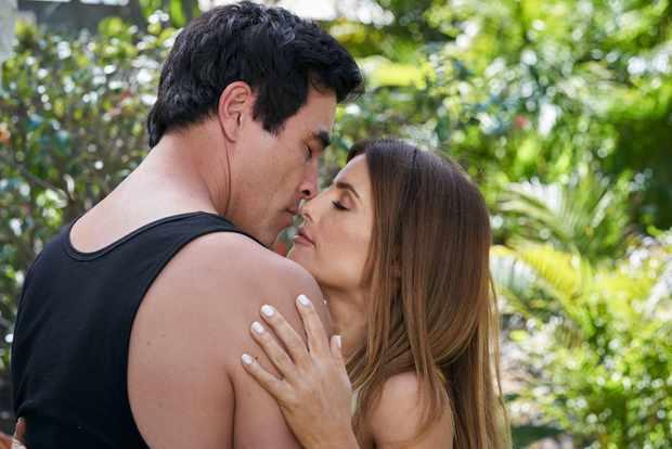 Home and Away Justin Morgan (James Stewart) Leah Patterson (Ada Nicodemou) Justin and Leah kiss