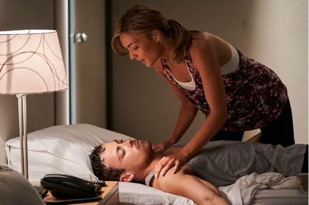 Home and Away, Jasmine Delaney, Dean Thompson