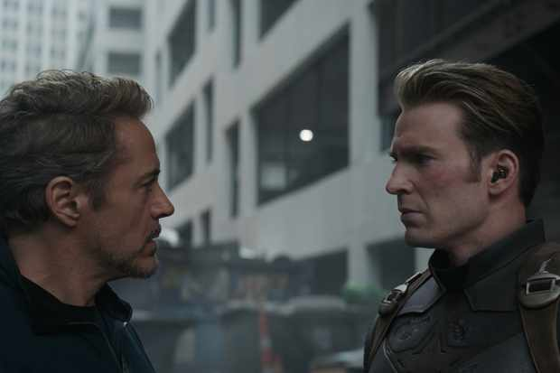 Marvel Studios' AVENGERS: ENDGAME..L to R: Tony Stark/Iron Man (Robert Downey Jr.) and Captain America/Steve Rogers (Chris Evans)..Photo: Film Frame..©Marvel Studios 2019