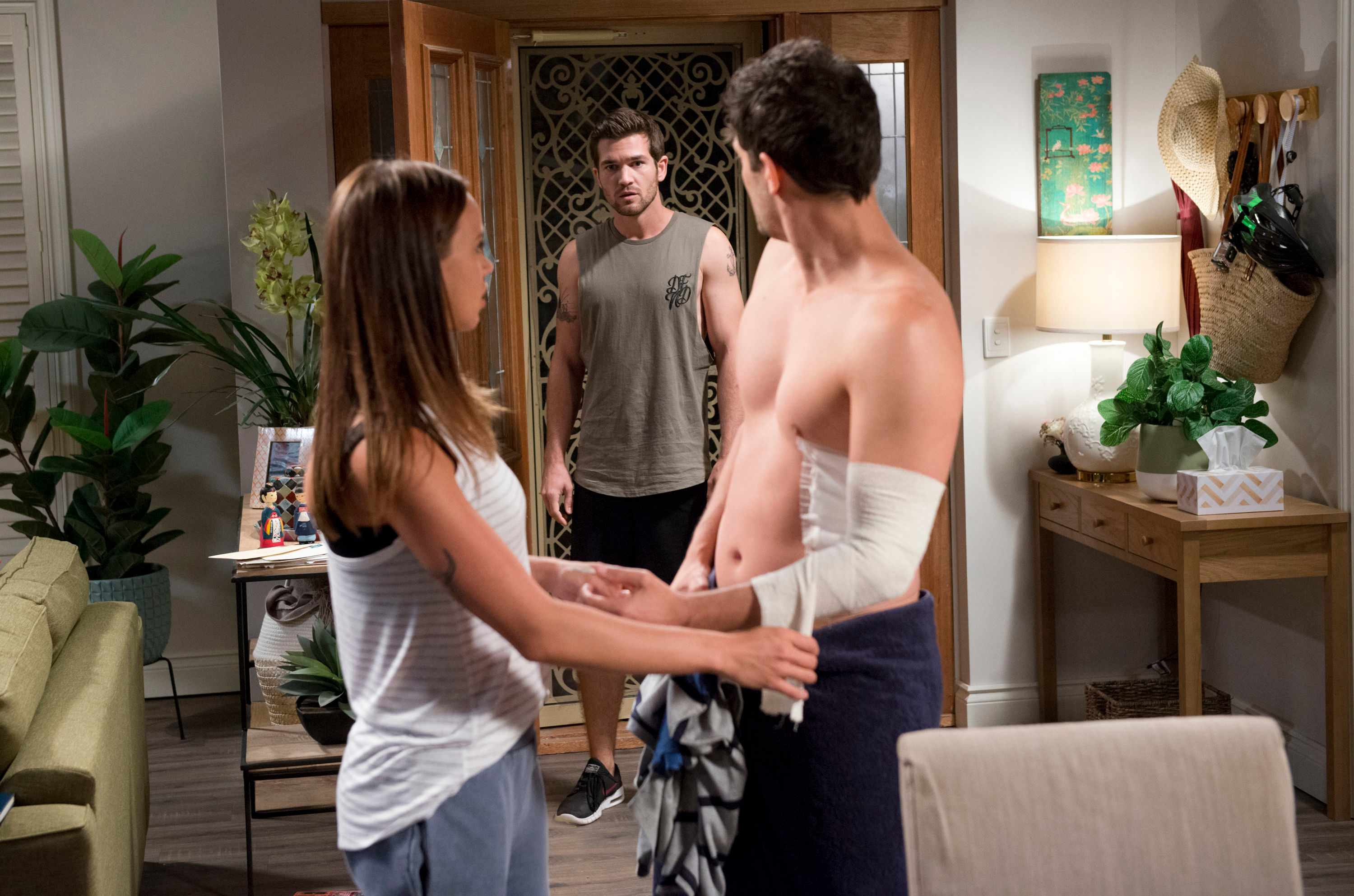 Neighbours, Ned Willis, Bea Nilsson, Finn Kelly