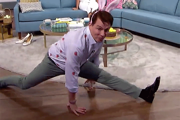 John Barrowman dances on This Morning, Twitter