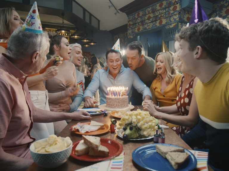Soap crossover as Hollyoaks trailer airs during Coronation Street