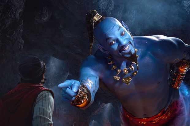 Mena Massoud et Will Smith dans Disney's Aladdin, réalisé par Guy Ritchie.