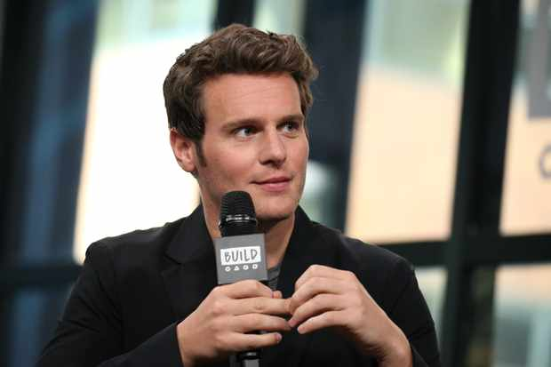 """NEW YORK, NY - OCTOBER 18:  Jonathan Groff discusses """"Mindhunter"""" at the Build Series at Build Studio on October 18, 2017 in New York City.  (Photo by Rob Kim/Getty Images)"""