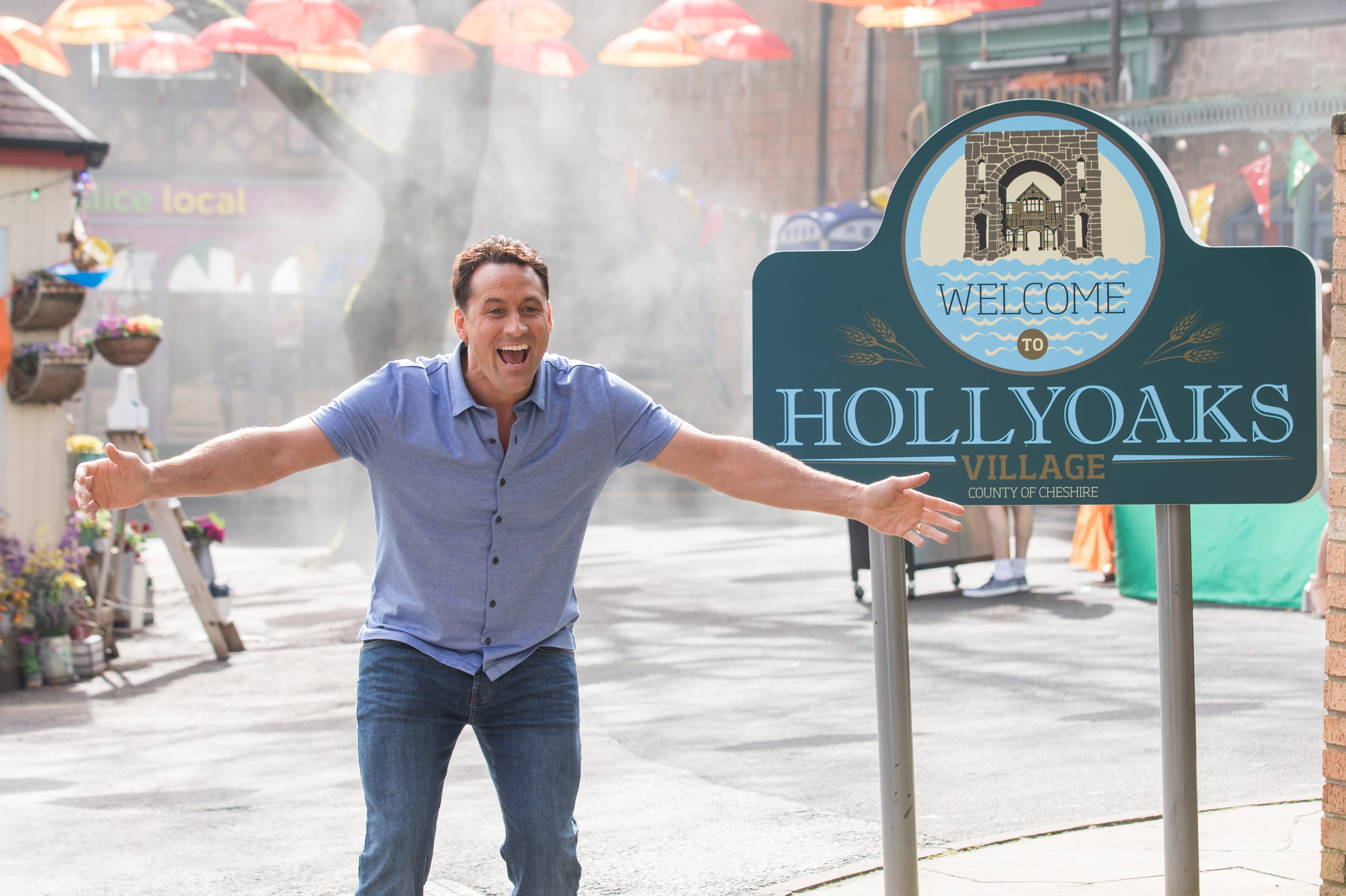 hollyoaks new opening titles 2018