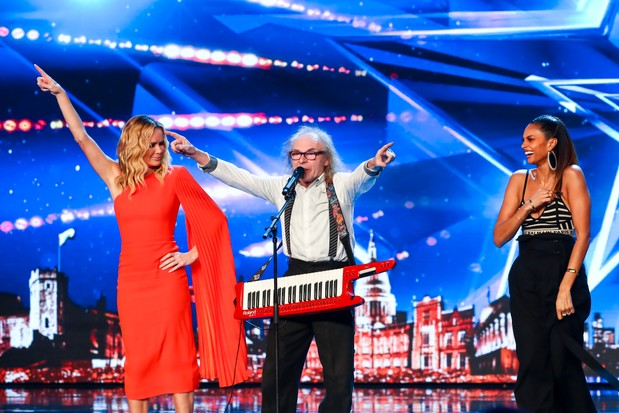 Britain's Got Talent Russell T Bird (©Syco/Thames/ITV)