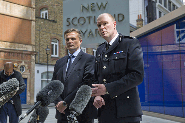 Detective Superintendent Craig Turner (L) and Commander Peter Spindler