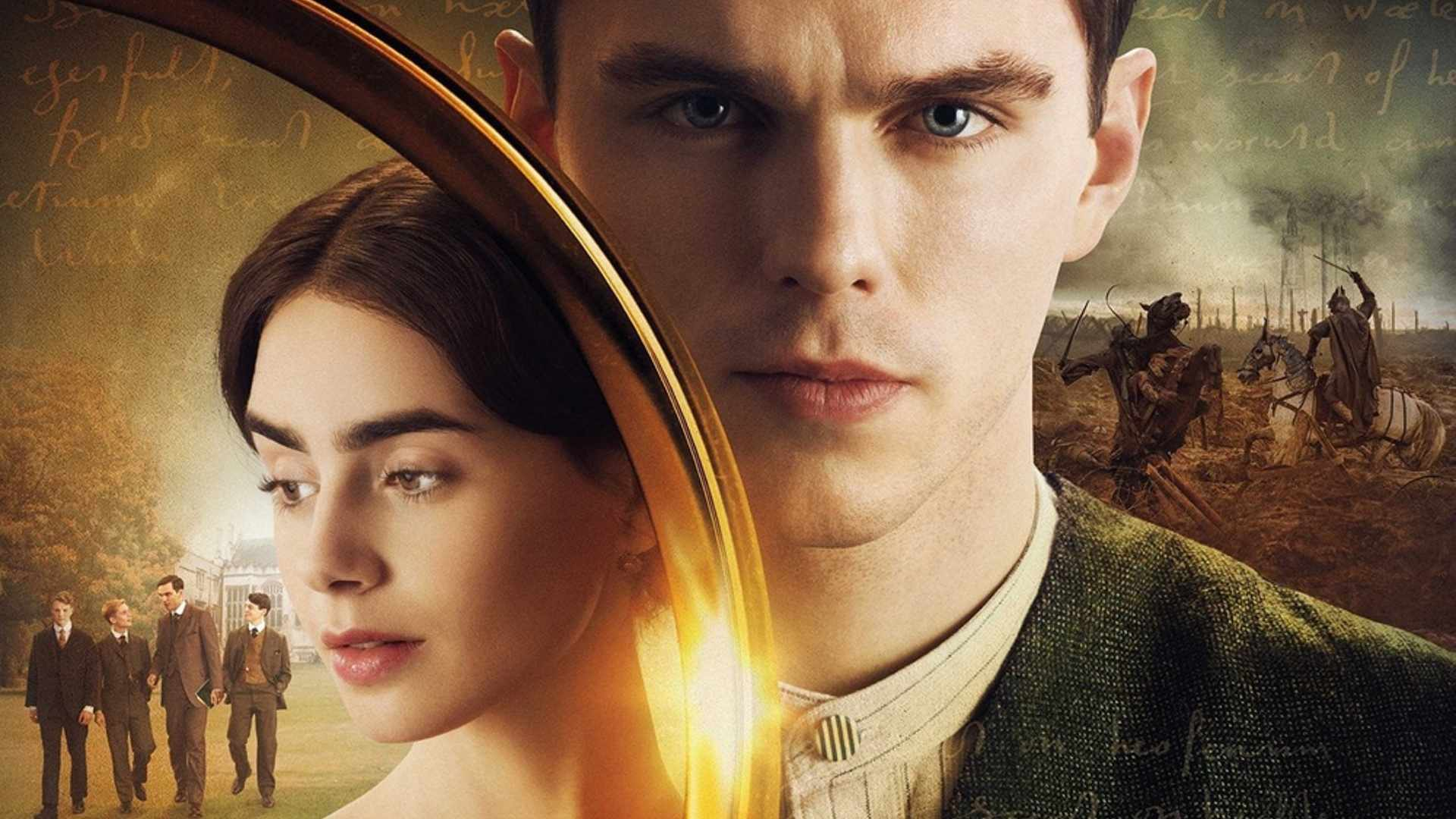 Nicholas Hoult and Lily Collins in Tolkien (Fox)