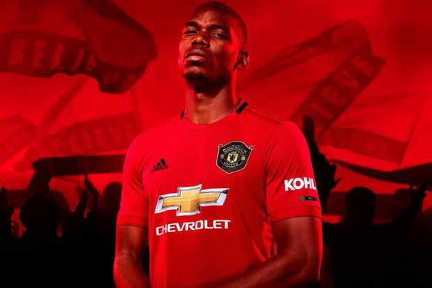 check out 1a7c8 aaf4d Picture: Manchester United unveil their home kit for the ...