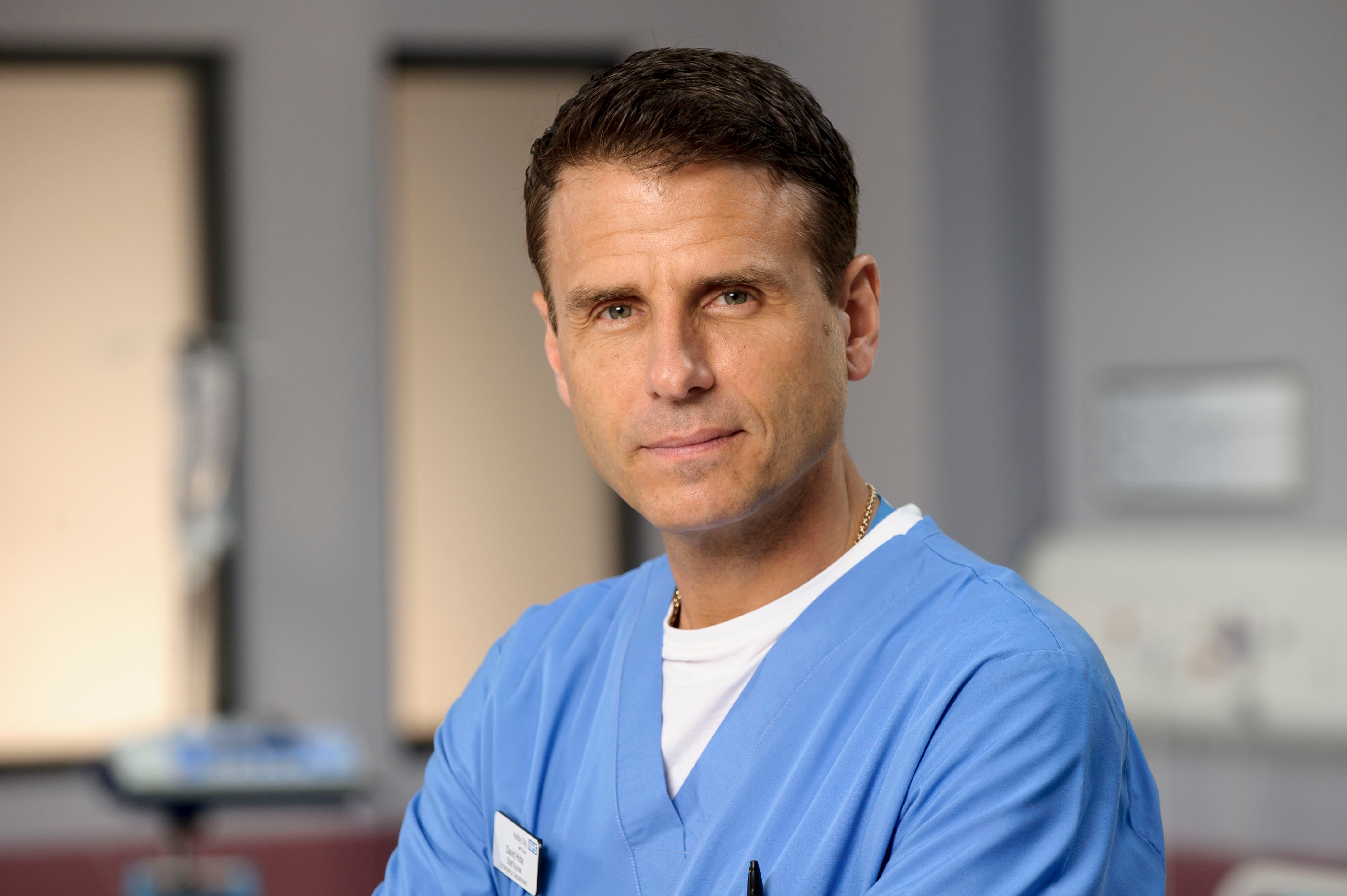 Programme Name: Casualty - Portraits - TX: n/a - Episode: Casualty - Portraits (No. n/a) - Picture Shows: David Hide (JASON DURR) - (C) BBC - Photographer: Alistair Heap