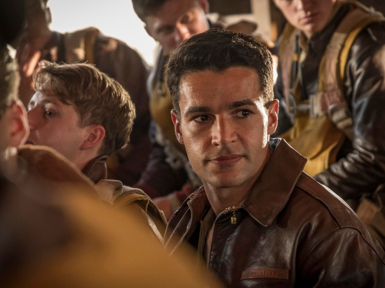 How does Channel 4's Catch-22 differ from the novel?
