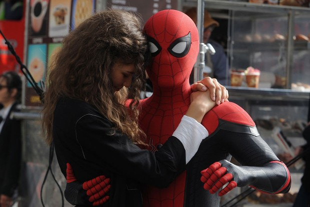 "NEW YORK, NY - OCTOBER 12:  Tom Holland and Zendaya on the set of ""Spiderman: Far From Home"" on October 12, 2018 in New York City.  (Photo by Bobby Bank/GC Images)"