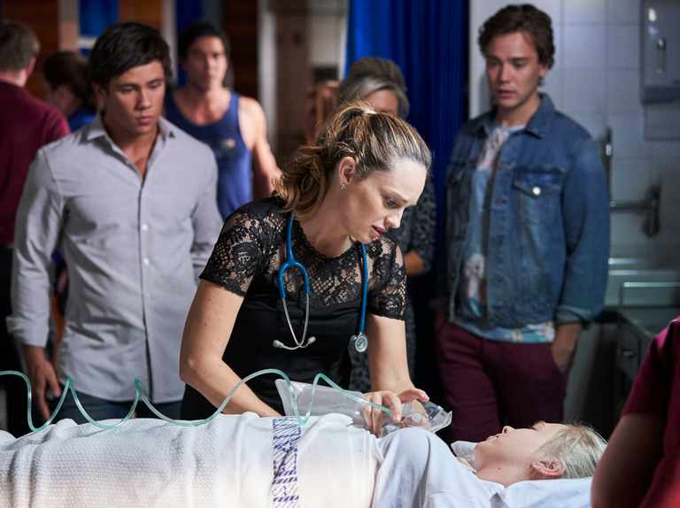Raffy left fighting for her life after huge seizure in Home and Away