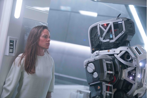Hilary Swank in I Am Mother (Netflix)