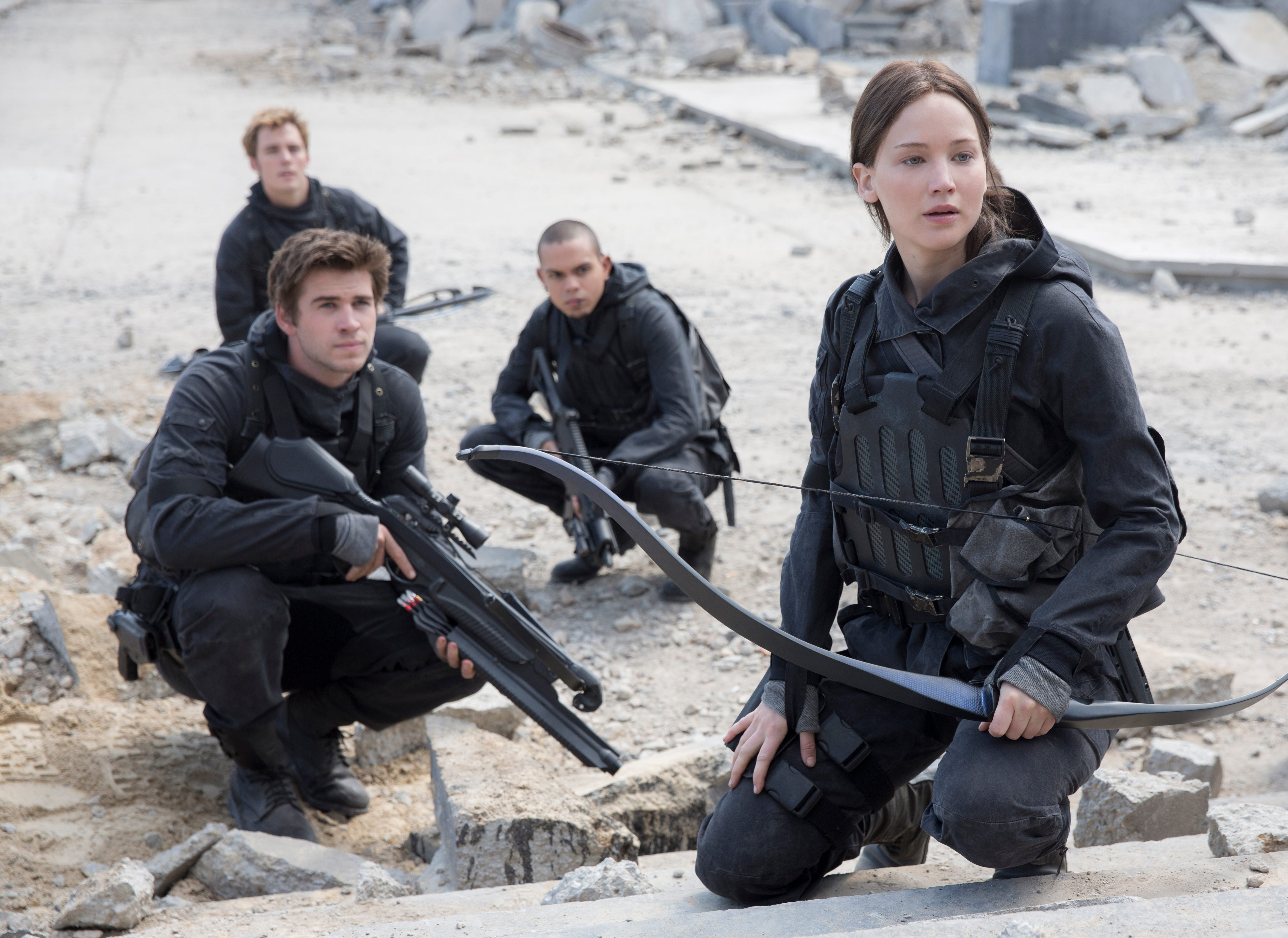 Who is gale from the hunger games dating