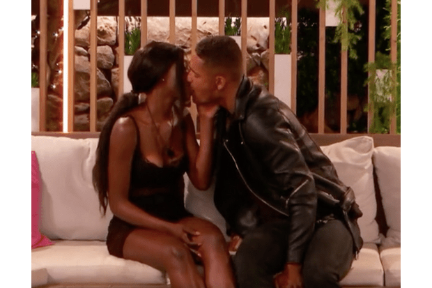 Yewande and Danny kiss Love Island (ITV screenshot)