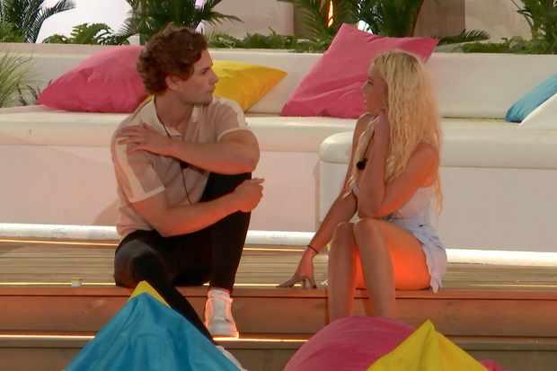 Lucie and Joe love island