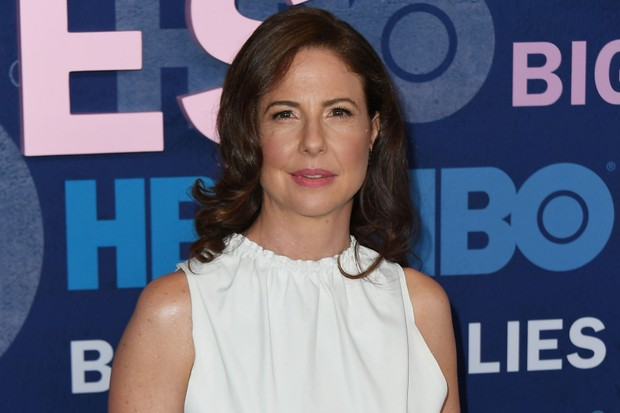 Robin Weigert plays Dr. Amanda Reisman