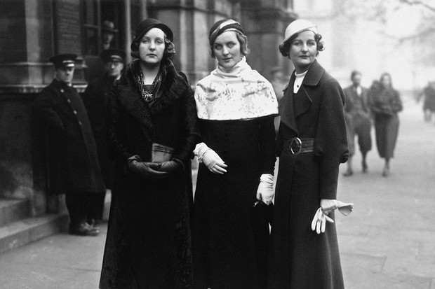 The Mitford Sisters, with Diana in the middle