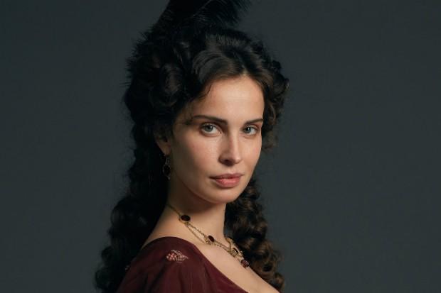 Heidi Reed plays Elizabeth Warleggan in Poldark