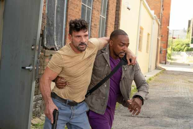 Frank Grillo as Abe and Anthony Mackie as Paul in POINT BLANK