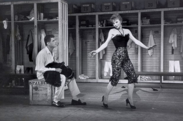 Gwen Verdon onstage in the Broadway production of Damn Yankees (Getty Images)