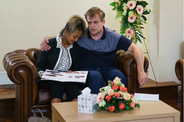 coronation street steve mcdonald emma brooker