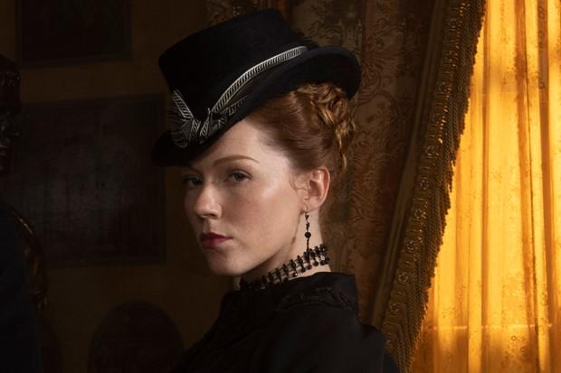 Charlotte Spencer plays Esther Denham in Sanditon